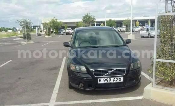 Buy new and used Volvo S40 Black Car in Broadhurst in Gaborone