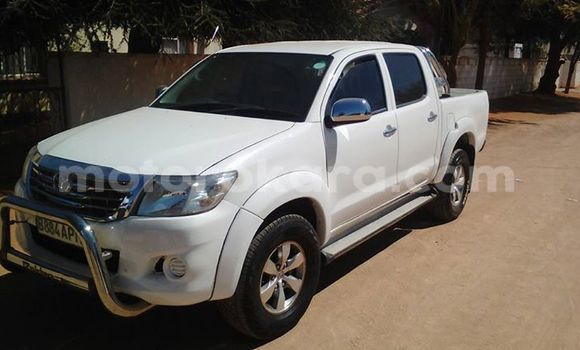 Buy new and used Toyota Hilux White Car in Broadhurst in Gaborone